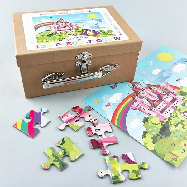 Children's Princess jigsaw in cute card suitcase, 130 pieces.  Item Number: 32P2064